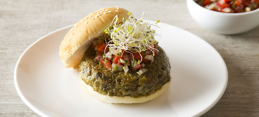 Lentils and pigeon peas burger  - simple recipe - The Kitchen doesn't Bite - Doreen Colondres
